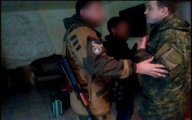 Нардеп Парасюк з автоматом розбурхав мережу: опубліковано відео