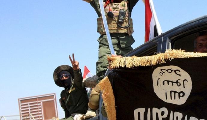 ИГИЛ может начать экспортировать химическое оружие - директор ЦРУ