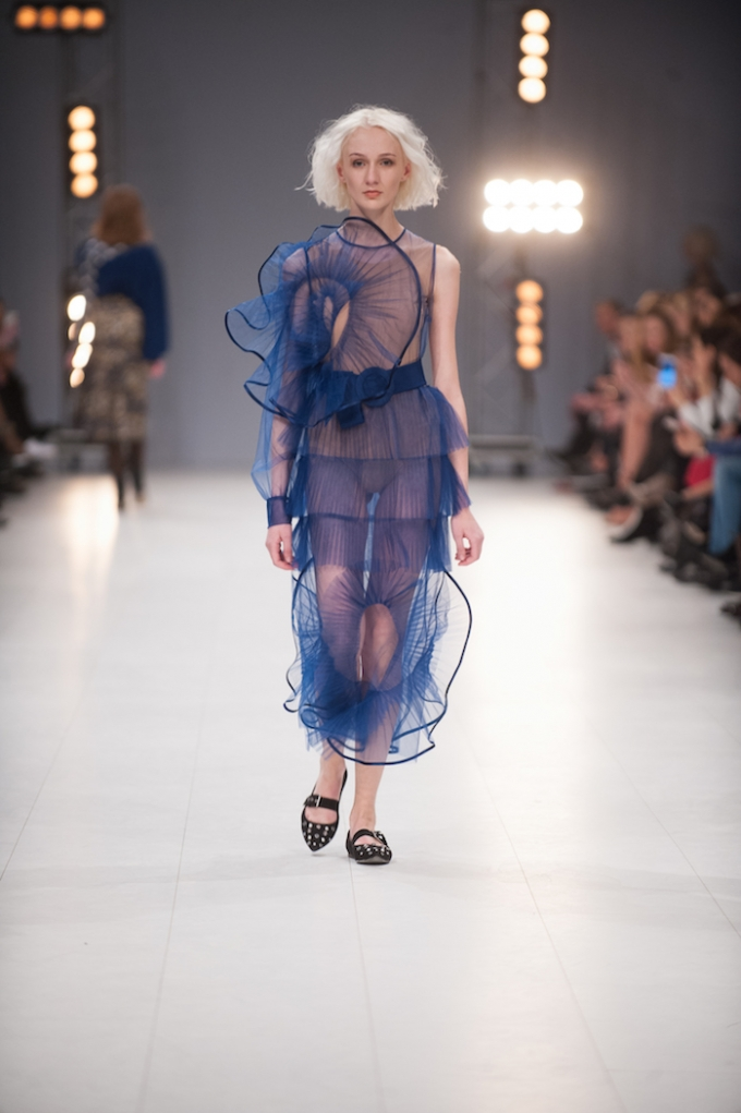В Киеве стартовал Ukrainian Fashion Week: опубликованы первые яркие фото (7)