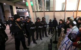 По США прокотилася хвиля протестів проти указів Трампа: з'явилися фото і відео