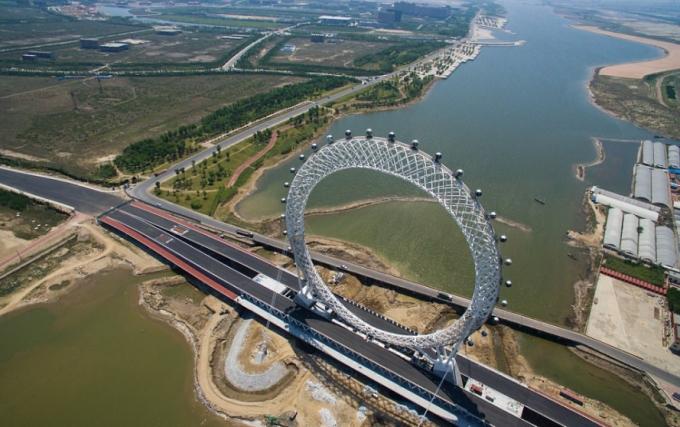 У Китаї створили найбільше в світі оглядове колесо без спиць: з'явилися фото і відео (1)