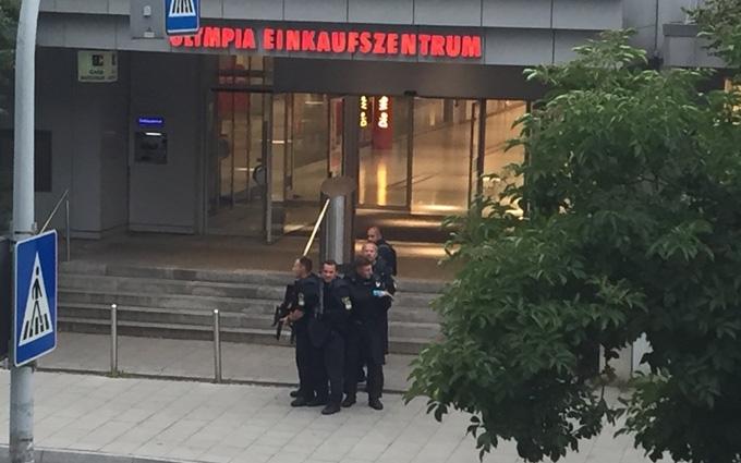Розстріл в торговому центрі в Мюнхені: з'явилося відео моменту стрільби