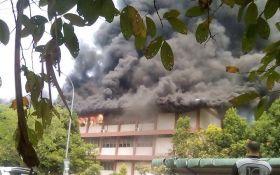 У малазійській школі сталася серйозна пожежа: загинули 22 дитини