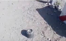 Бойовики обстріляли пункт пропуску на Донбасі новими російськими ракетами: опубліковано відео