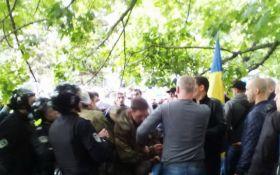 Аваков сообщил об аресте главы днепровских титушек и назвал его имя