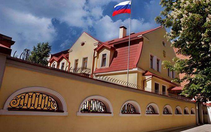 Після інциденту в Києві посилено охорону консульства РФ в Харкові: з'явилося фото