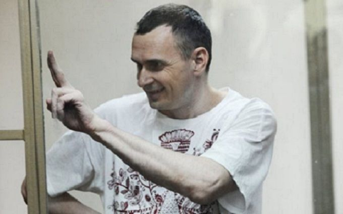 """Сенцов написал трогательное письмо лидеру группы """"Бумбокс"""""""