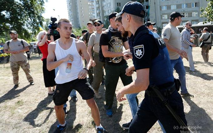 Бійка під судом в Києві: з'явилися фото і нове відео
