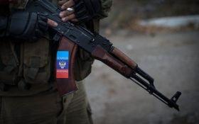 На Донбасі п'яні бойовики втекли з передових позицій і намагалися пограбувати магазин
