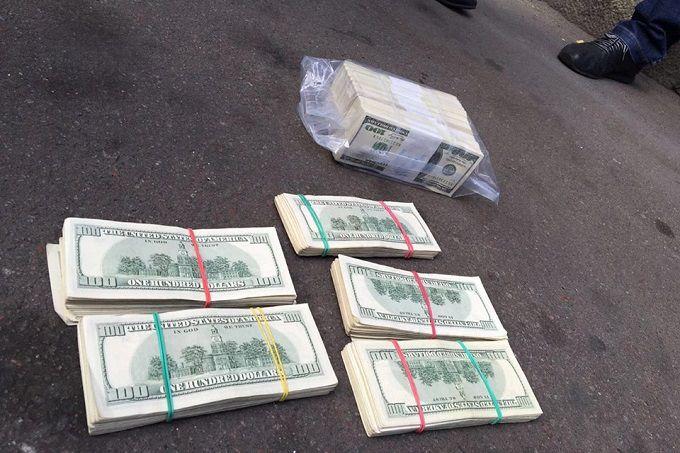 """Луценко упіймав велику корупційну """"рибу"""": з'явилися фото"""