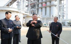 Слухи о смерти Ким Чен Ына опровергли - глава КНДР впервые за 20 дней появился на публике