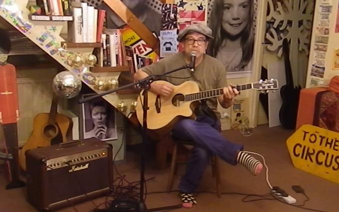 Британец ярко исполнил песню Джамалы про Крым: опубликовано видео