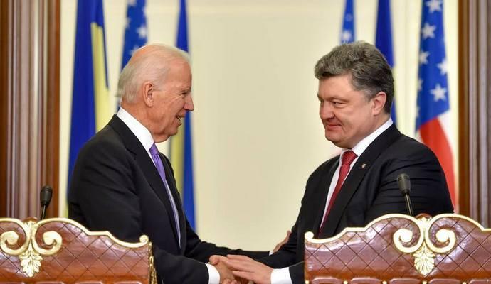 Порошенко рассказал Байдену о ситуации на Донбассе