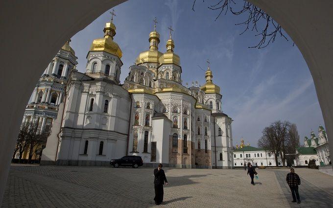 Десятки приходов хотят покинуть Московский патриархат в Украине - народный депутат
