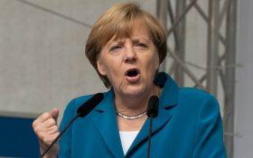 """""""Россия сама это сделала"""": Меркель хочет вмешаться в конфликт США и РФ"""