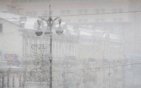 Київ накрив потужний снігопад: з'явилися фото і відео