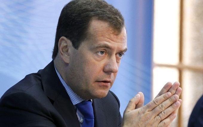 Медведєв проводить зустріч з кумом Путіна Медведчуком: що обговорюють