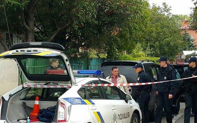 В Киеве нарушитель правил избил полицейского: опубликованы фото