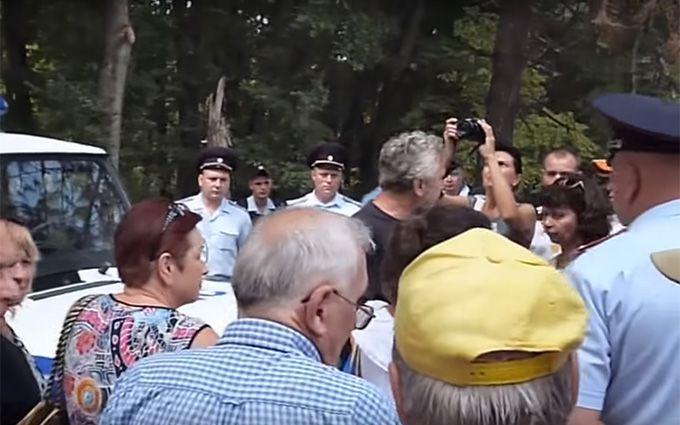 У Криму розігнали мітинг ошуканих окупантами людей: опубліковано відео