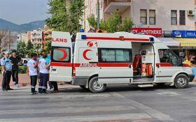 У Туреччині обвалився пірс п'ятизіркового готелю, затиснувши людей: опубліковані фото