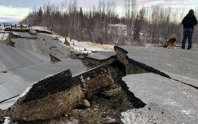 В Аляске произошло мощное землетрясение, введено чрезвычайное положение: ужасающие фото и видео