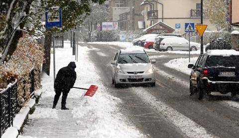Через сильний снігопад у Польщі загинули двоє осіб (6 фото) (5)