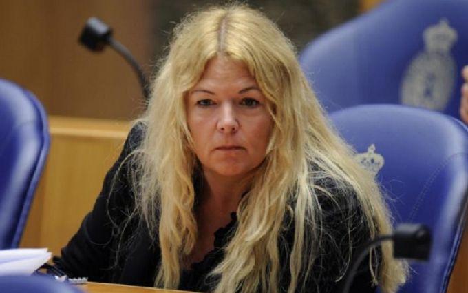 Член городского совета Гааги совершила самоубийство из-за изнасилования и угроз