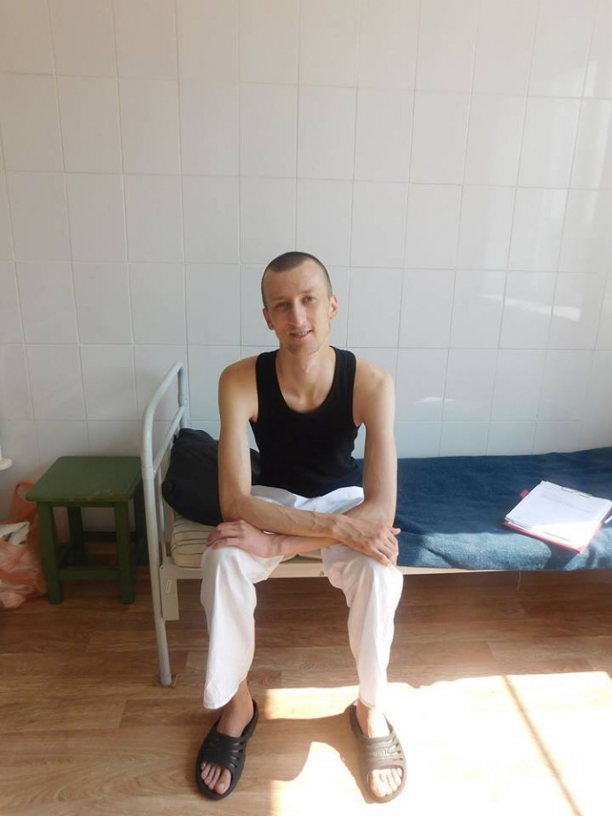 У Росії український політв'язень потрапив до лікарні: з'явилося фото (1)