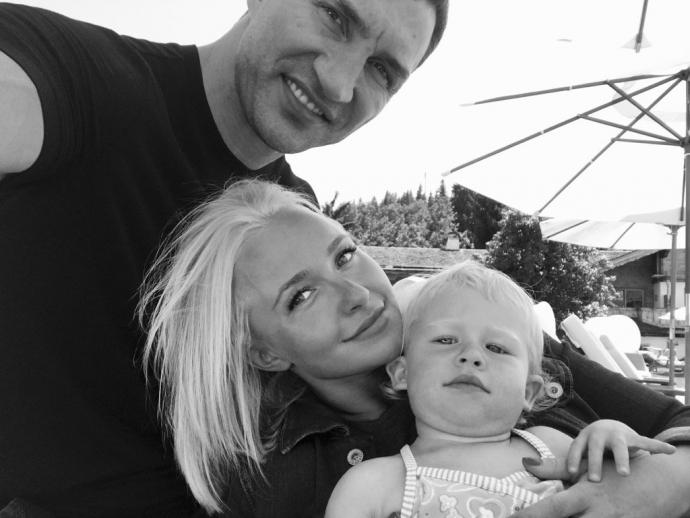 Не в обручці щастя: кохана Кличка поділилася фото сімейної ідилії (1)