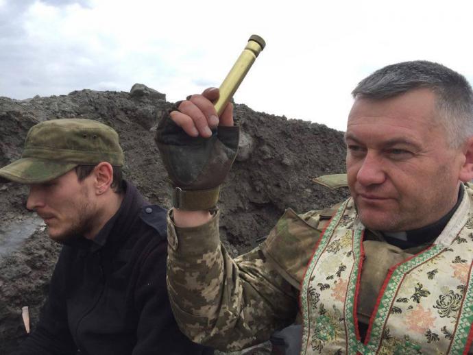 На Донбасі вже говорять: скільки Путін буде пити нашу кров? - Капелан з АТО (1)