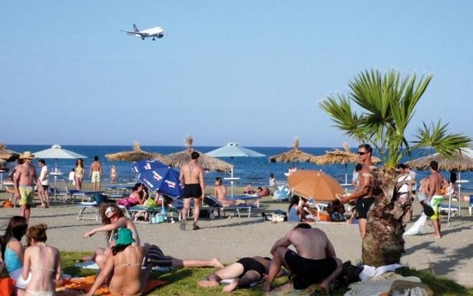 Російські туристи за кордоном: український письменник розповів нову смішну історію