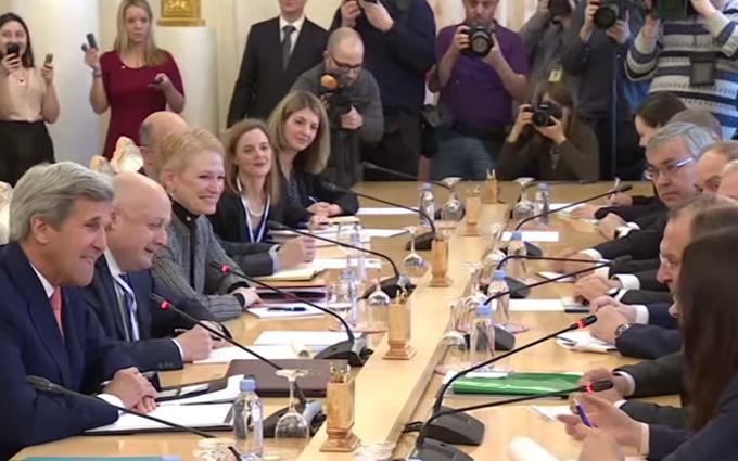 Как люди Обамы и Путина шутили друг над другом: появилось видео