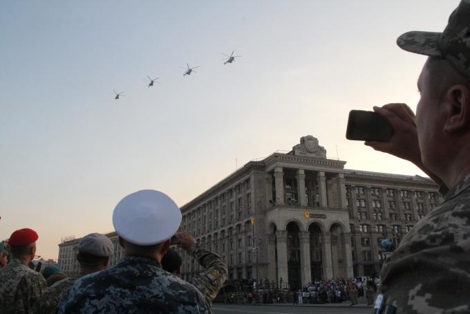 Ракеты, танки и авиация: опубликованы зрелищные фото и видео репетиции парада в Киеве (11)