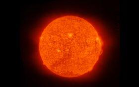 NASA показало яркие изображения Солнца, снятые со спутника: появились фото и видео