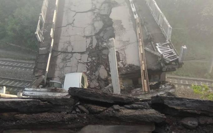 У мережі показали відео підірваного стратегічного моста між Хрустальним і Луганськом
