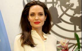 Сексуальне насильство як і раніше використовується у військових конфліктах від М'янми до України, - Анджеліна Джолі звернулася до НАТО