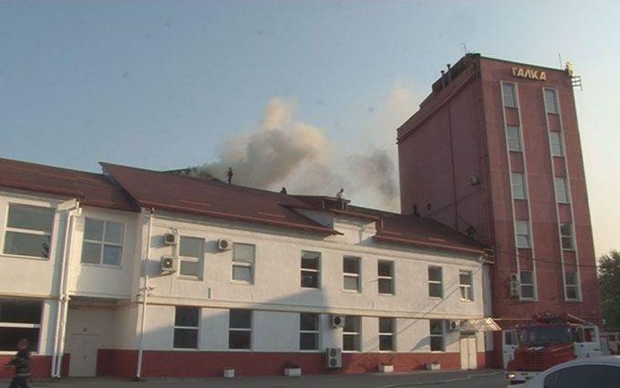 Відома фабрика спалахнула у Львові: з'явилися фото і відео