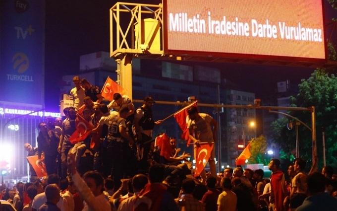 Провальний переворот у Туреччині: стало відомо про чистки в оточенні Ердогана