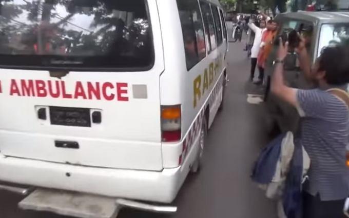 Число жертв теракту в Бангладеш різко зросло: з'явилося нове відео