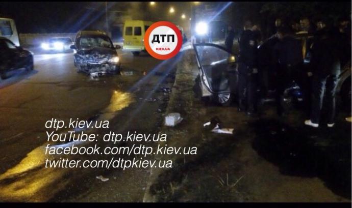 Під Києвом сталася смертельна ДТП з поліцейськими: опубліковані фото (1)
