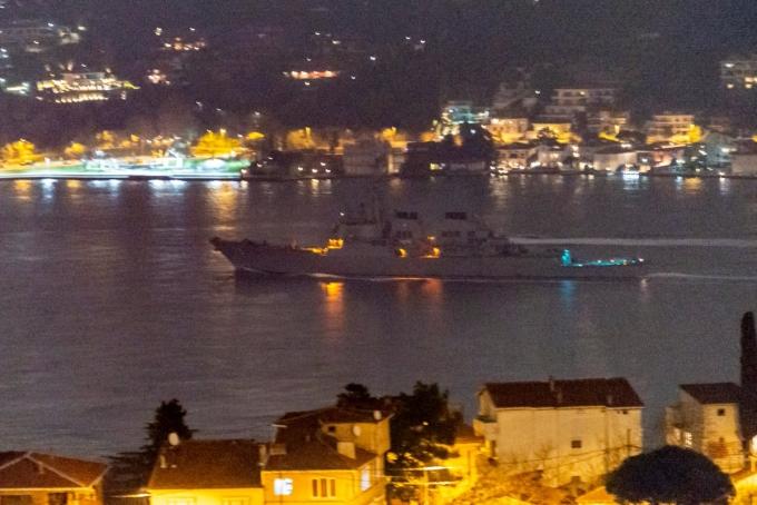 Військовий есмінець США увійшов у Чорне море: з'явилися перші фото (2)