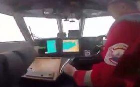 Росіяни спробували захопити український катер біля Криму, з'явилося відео моменту