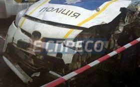 В Киеве авто патрульных разнесло хлебный киоск: опубликованы фото