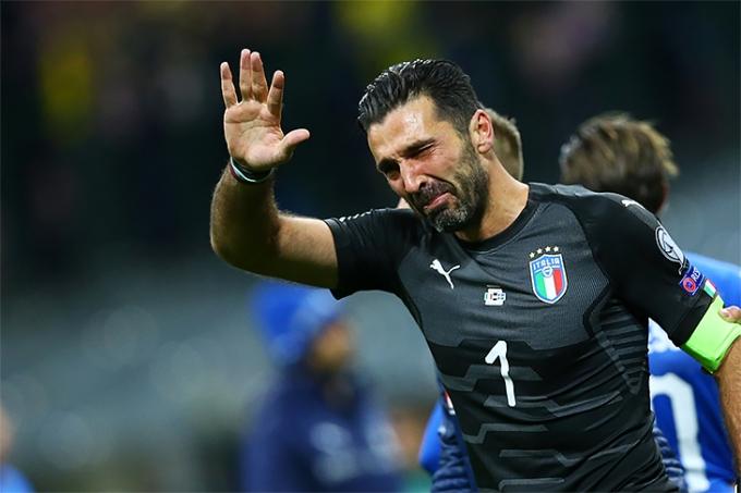 Окончание карьеры: Буффон попрощался со сборной Италии со слезами на глазах (1)