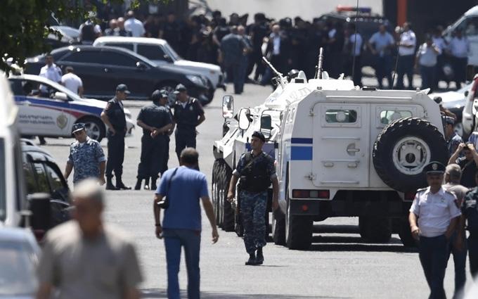 Зіткнення в Єревані: з'явилися нові подробиці та дані про затриманих