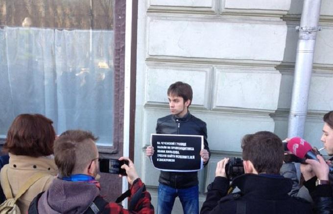 Из-за избиения иностранных журналистов в Чечне разгорается скандал: опубликованы фото
