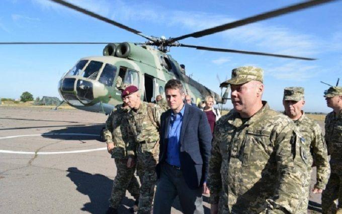 На Донбасс срочно приехал глава Минобороны Британии