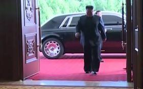 Купив в обхід санкцій США: в мережі бурхливо обговорюють відео з розкішним авто Кім Чен Ина