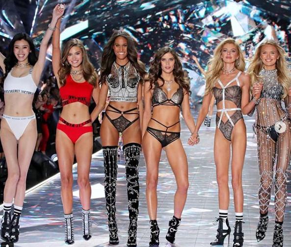 Это нужно увидеть: Victoria's Secret представили белье за миллион долларов (6)