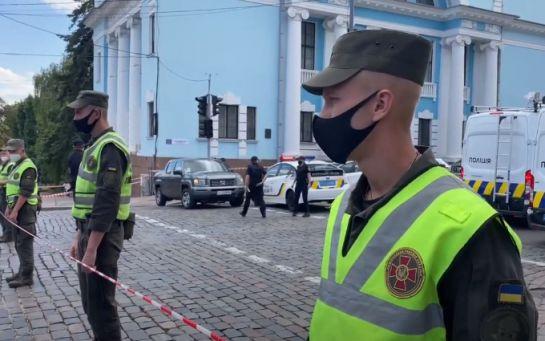 Захват киевского банка - МВД раскрыло первые требования террориста
